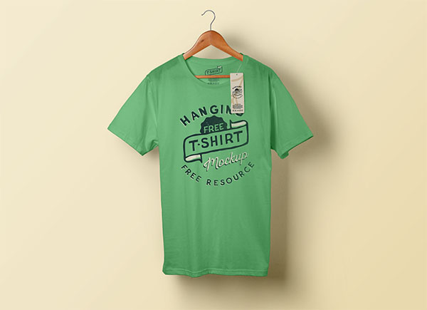 Free Hanging T-Shirt & Clothing Tag Mockup PSD