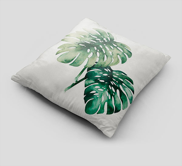 Free Pillow Mock-up