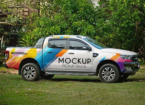 Free Vehicle Branding Pickup Truck Mockup PSD